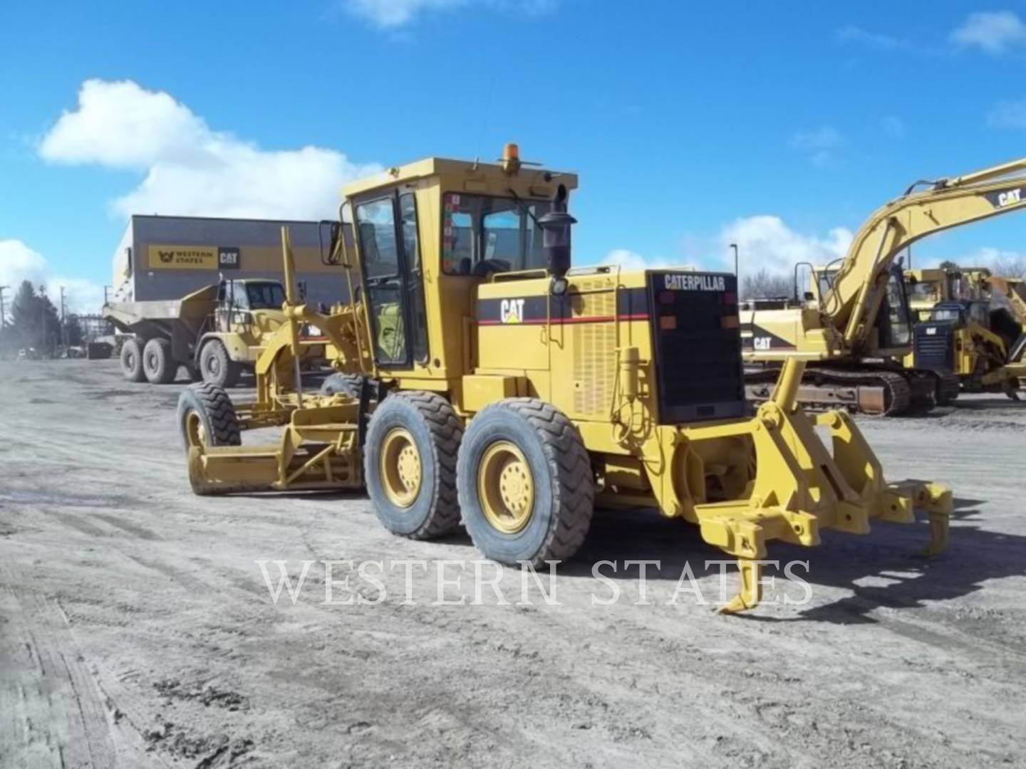 1997 CATERPILLAR 140HNA image2