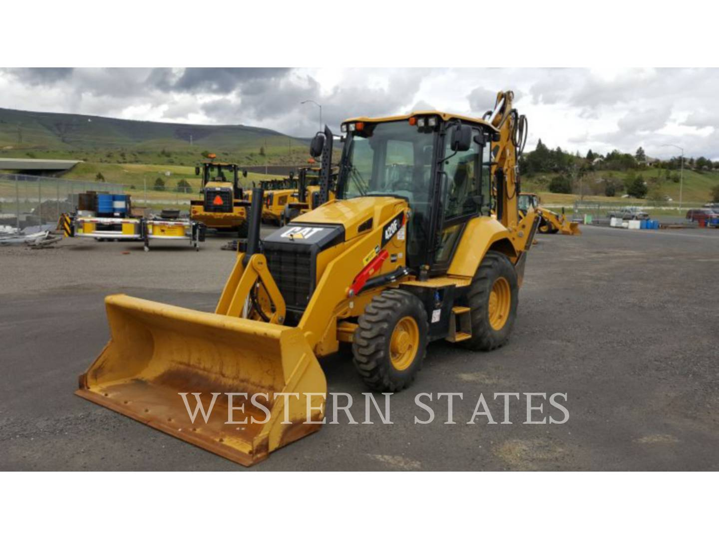 2015 CATERPILLAR 420F2ST image0