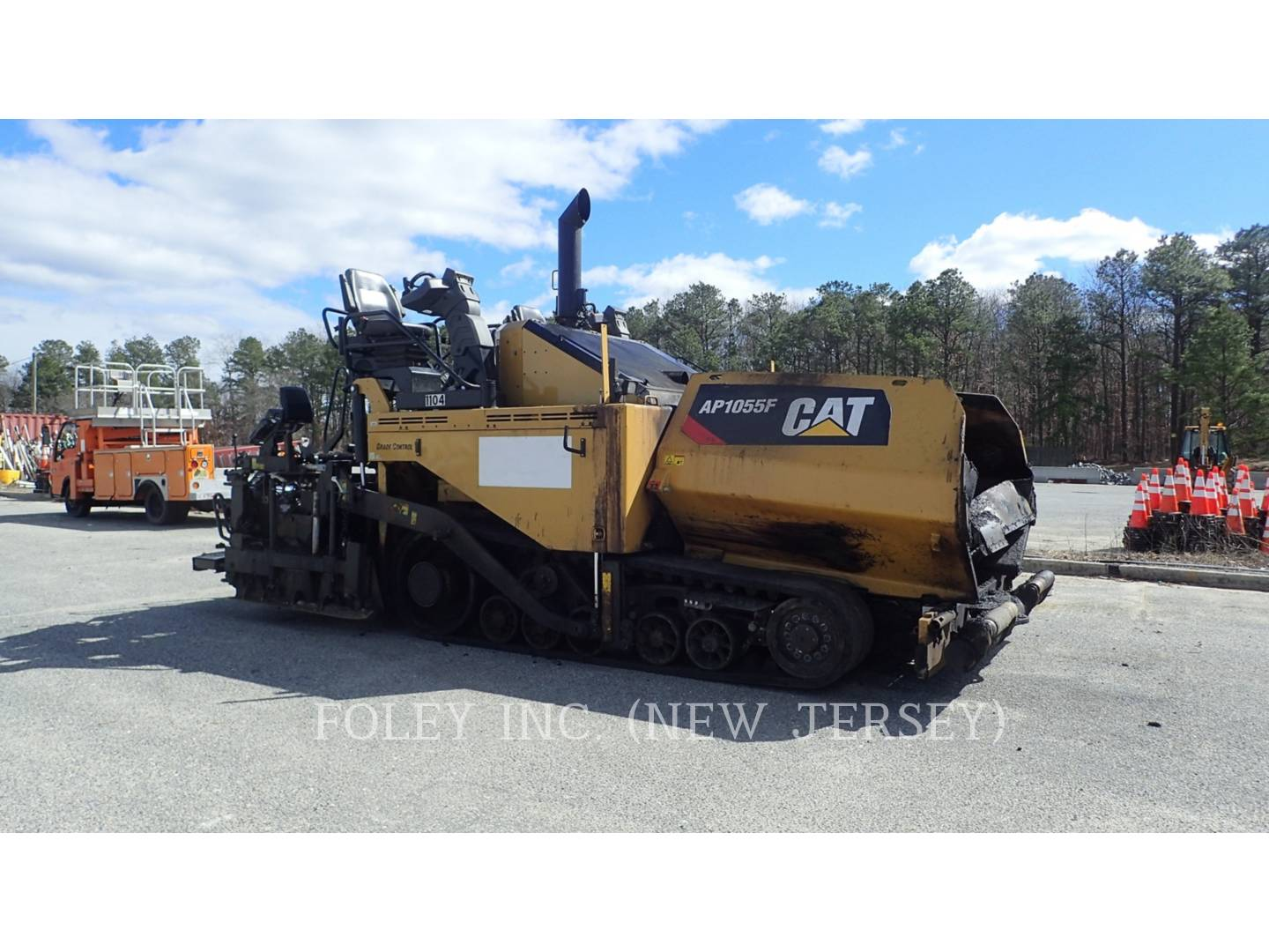 Used 2015 Caterpillar AP1055F for Sale in NJ, PA, DE and