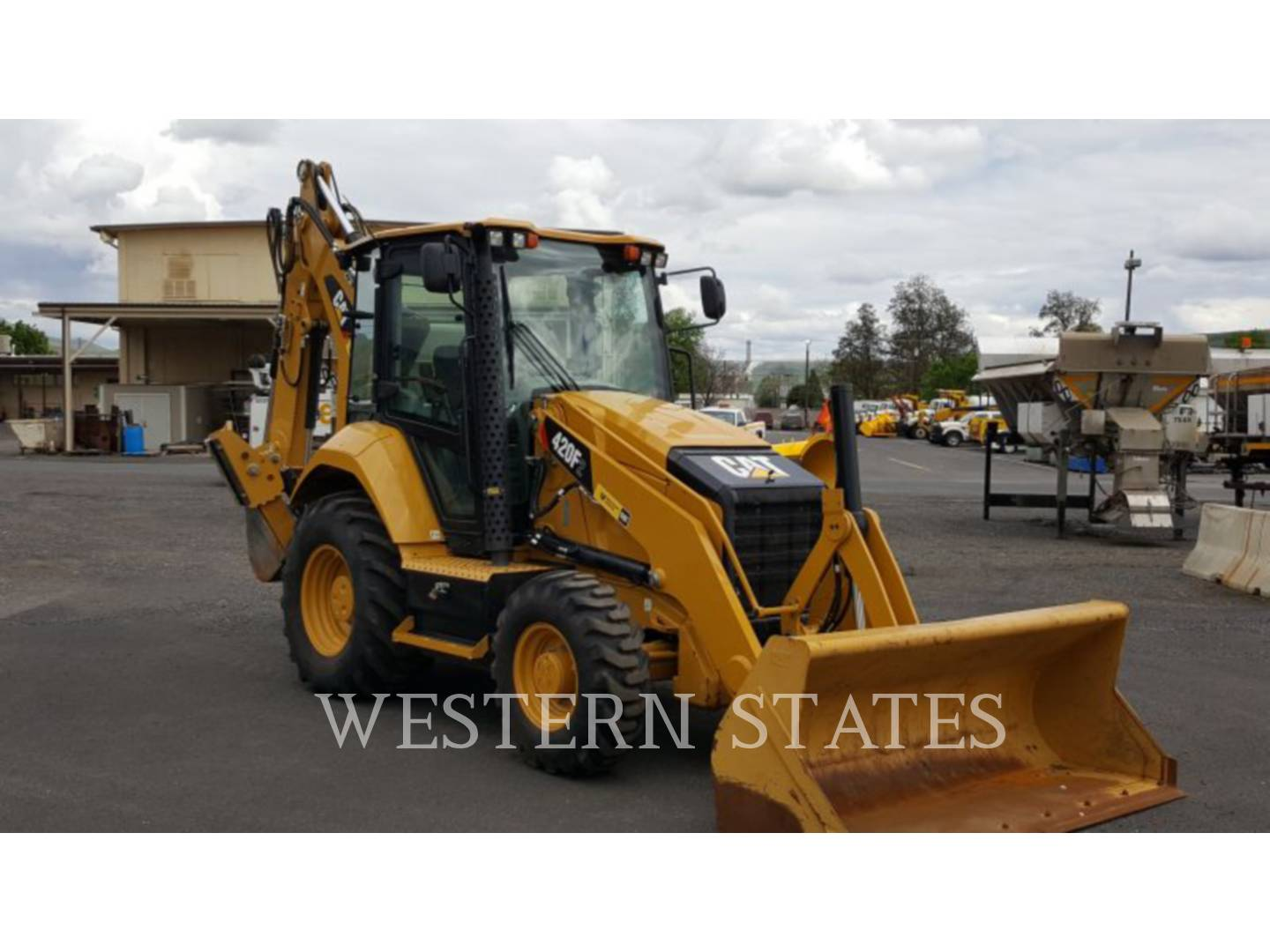 2015 CATERPILLAR 420F2ST image1
