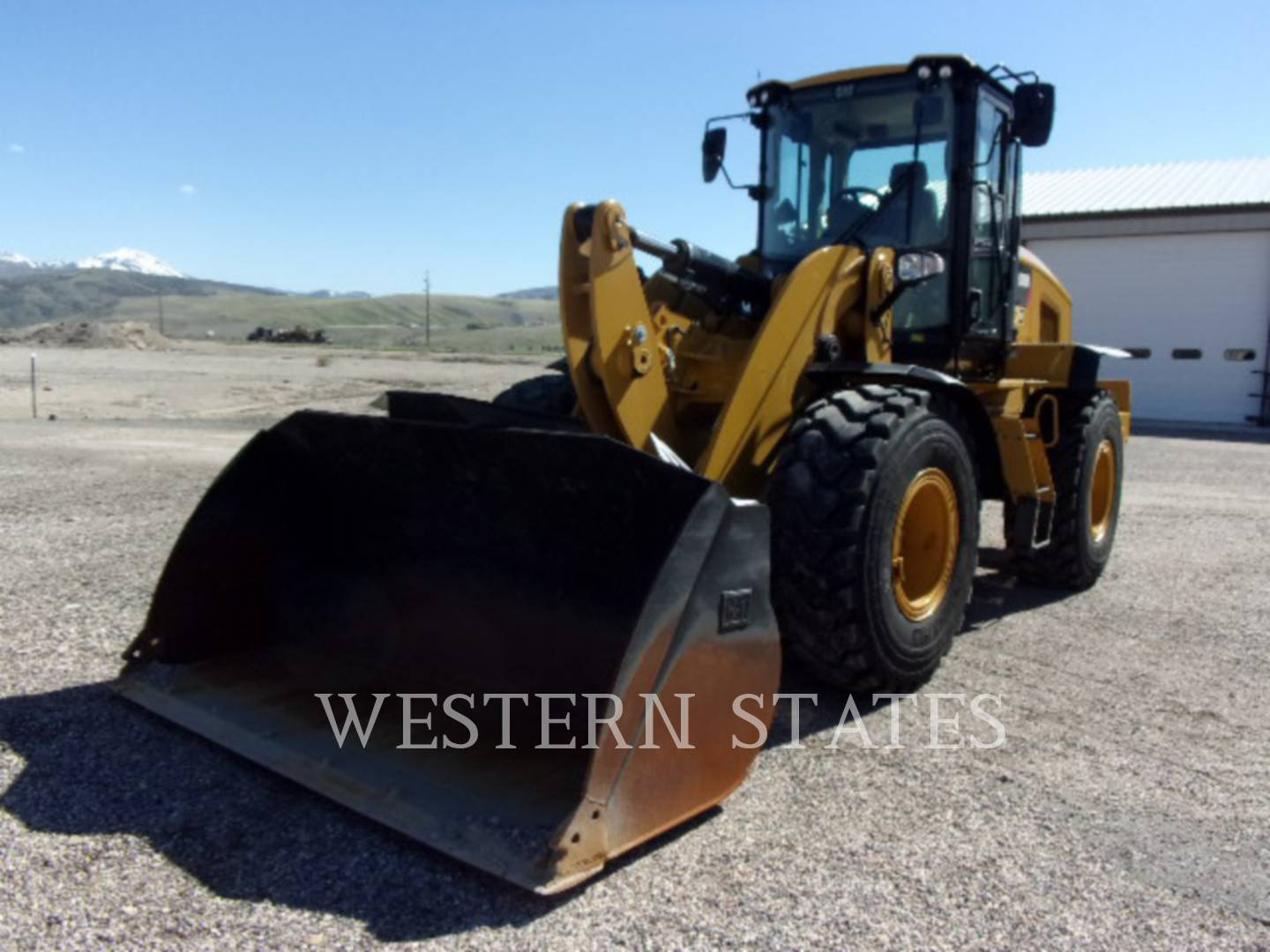 2015 CATERPILLAR 938M image0
