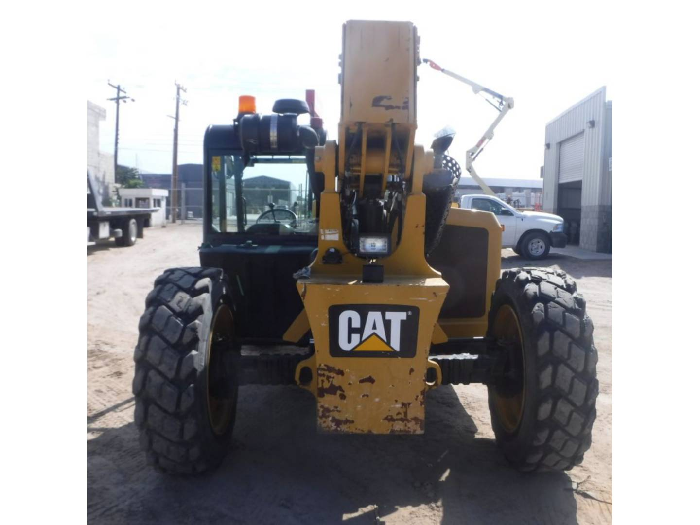caterpillar-thl00166