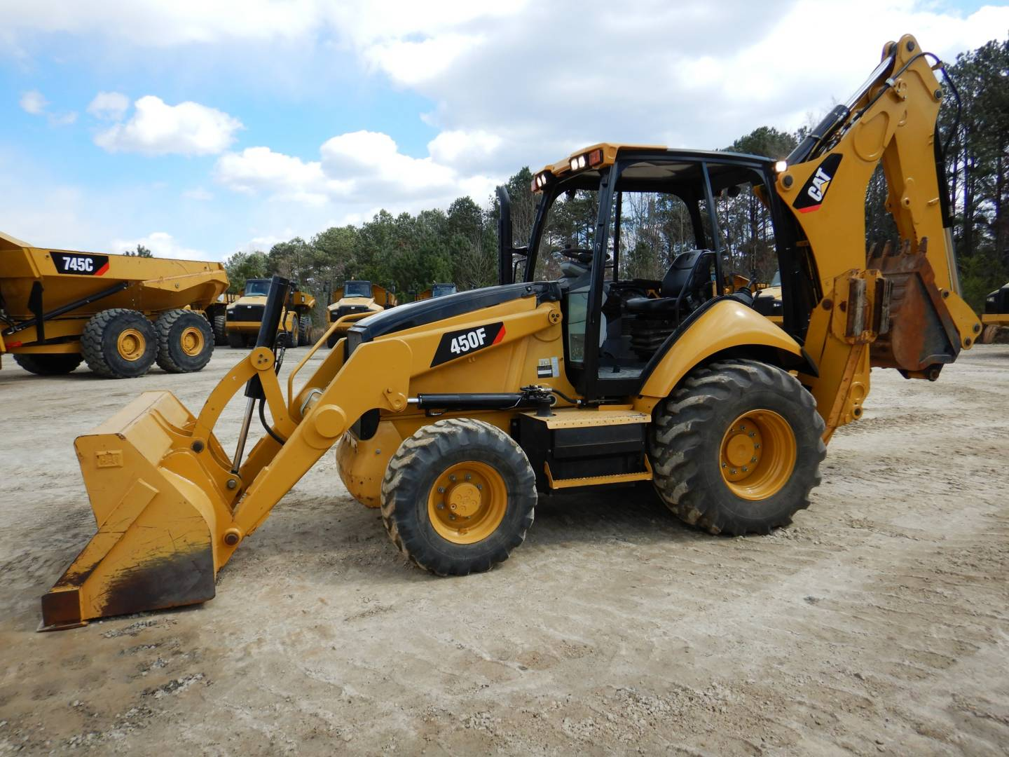 Whayne Walker Cat | New 450 Backhoe Loader for Sale - Whayne Walker Cat
