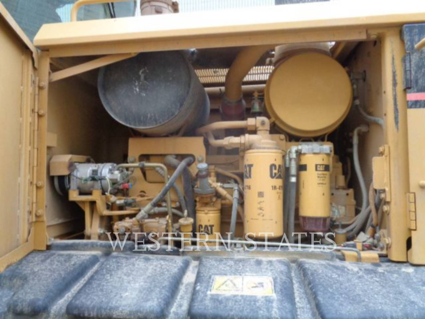 2004 CATERPILLAR 140HNA image12