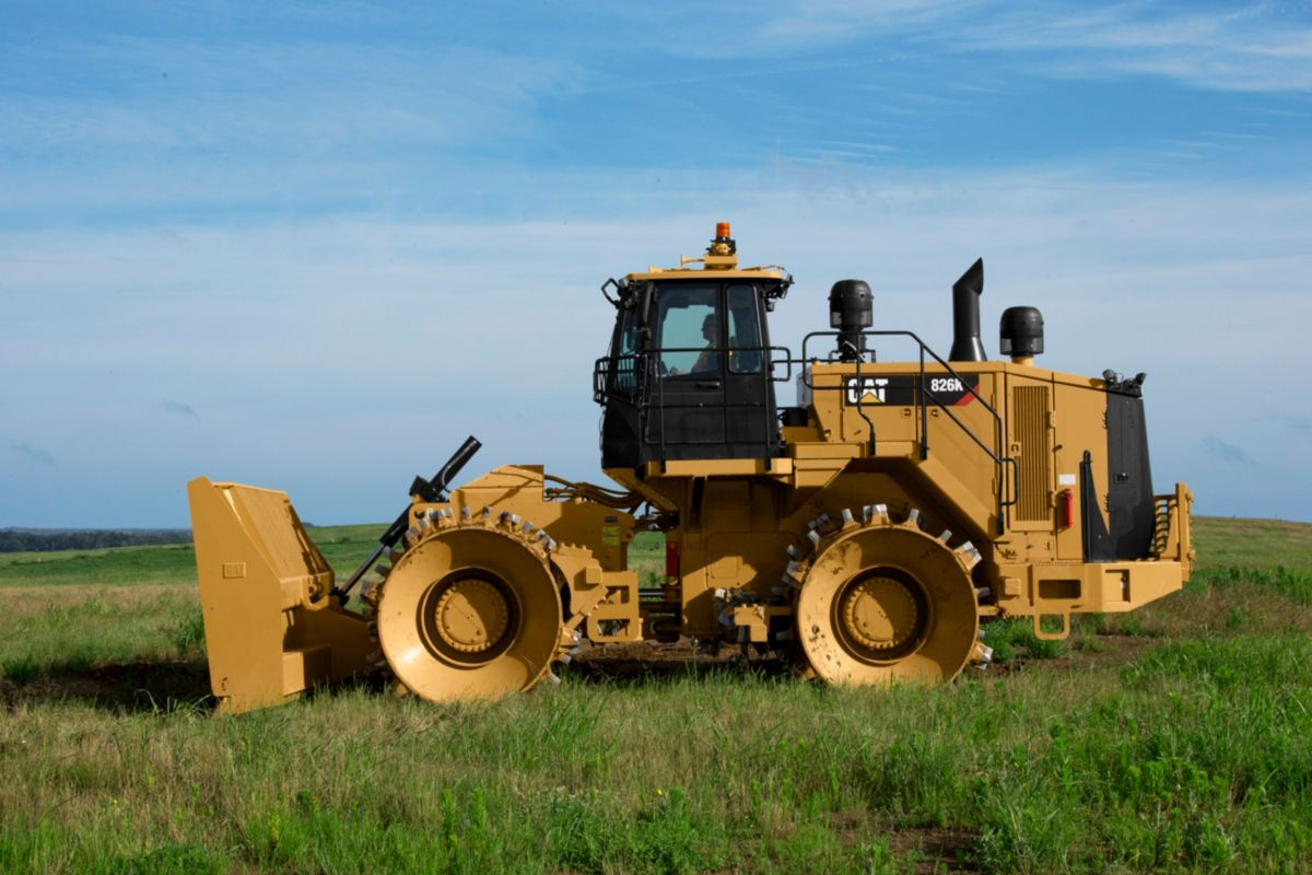 Caterpillar Landfill Compactor : New k landfill compactor for sale whayne cat