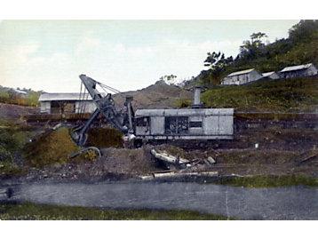 Bucyrus steam shovels working between 1904-1914.