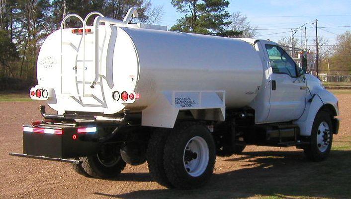 2,000 Gallon Water Truck   Ohio Cat Rental Store