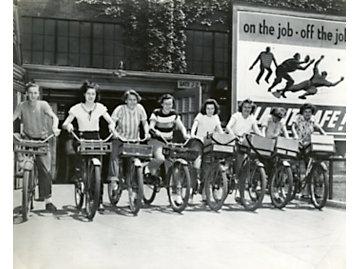 Diselettes Mail Carrier EP Plant 1947