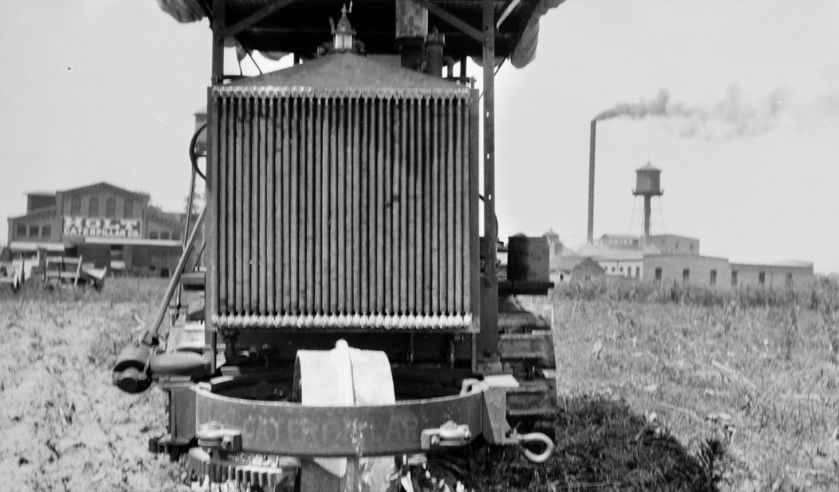 This Holt track-type tractor may be the first Caterpillar tractor built in East Peoria, Illinois.