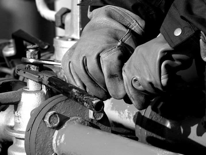 Find information on current service training programs, commissioning or Engine News.