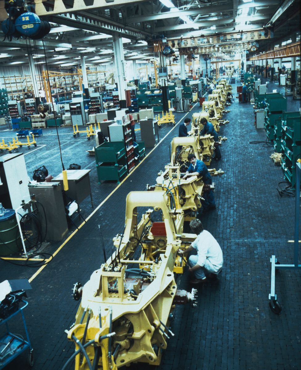 Cat® 416 Backhoe Loaders coming off the assembly line in 1985.