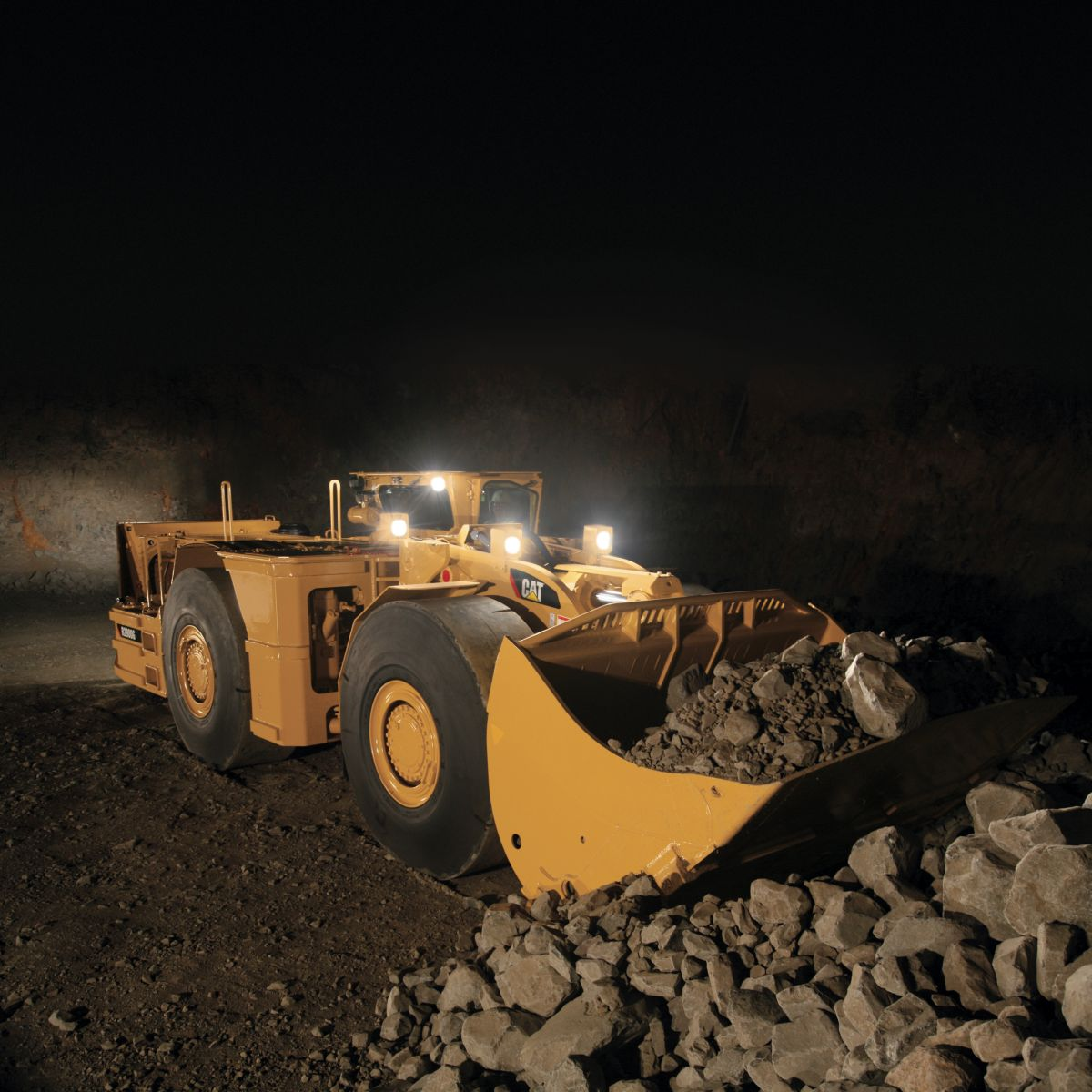 product-R2900G Underground Mining Load-Haul-Dump (LHD) Loader