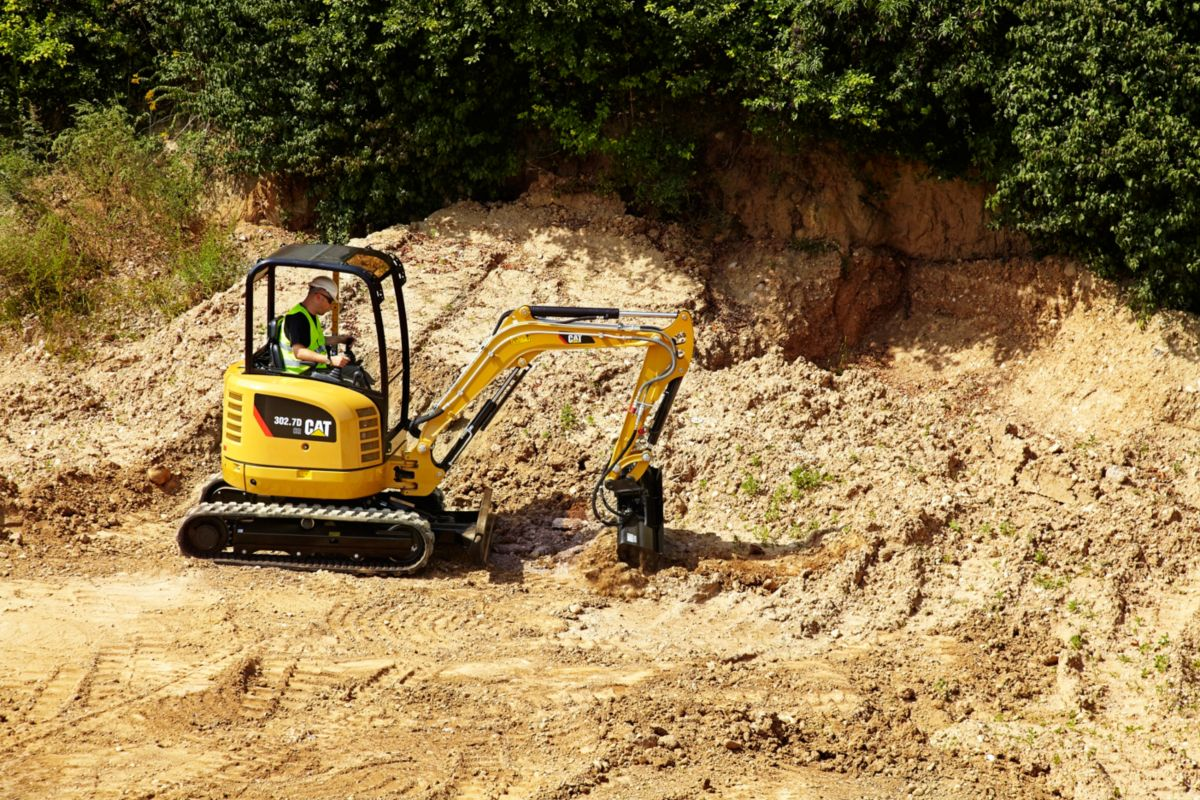 product-302.7D CR Mini Hydraulic Excavator