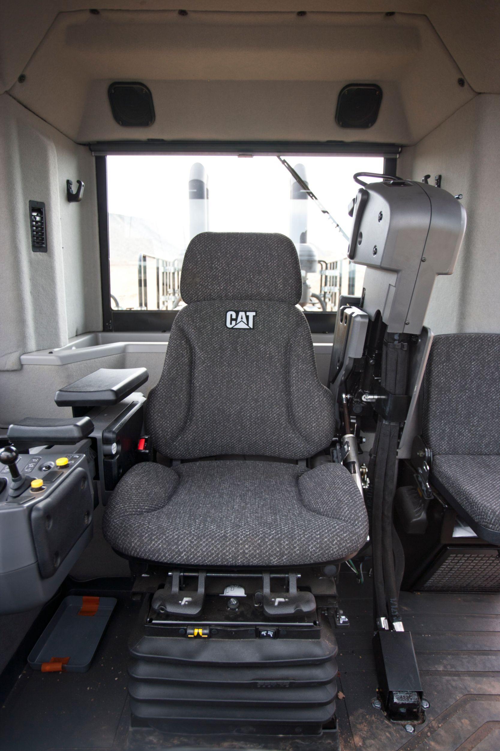 854K Cat Comfort Series III Seat