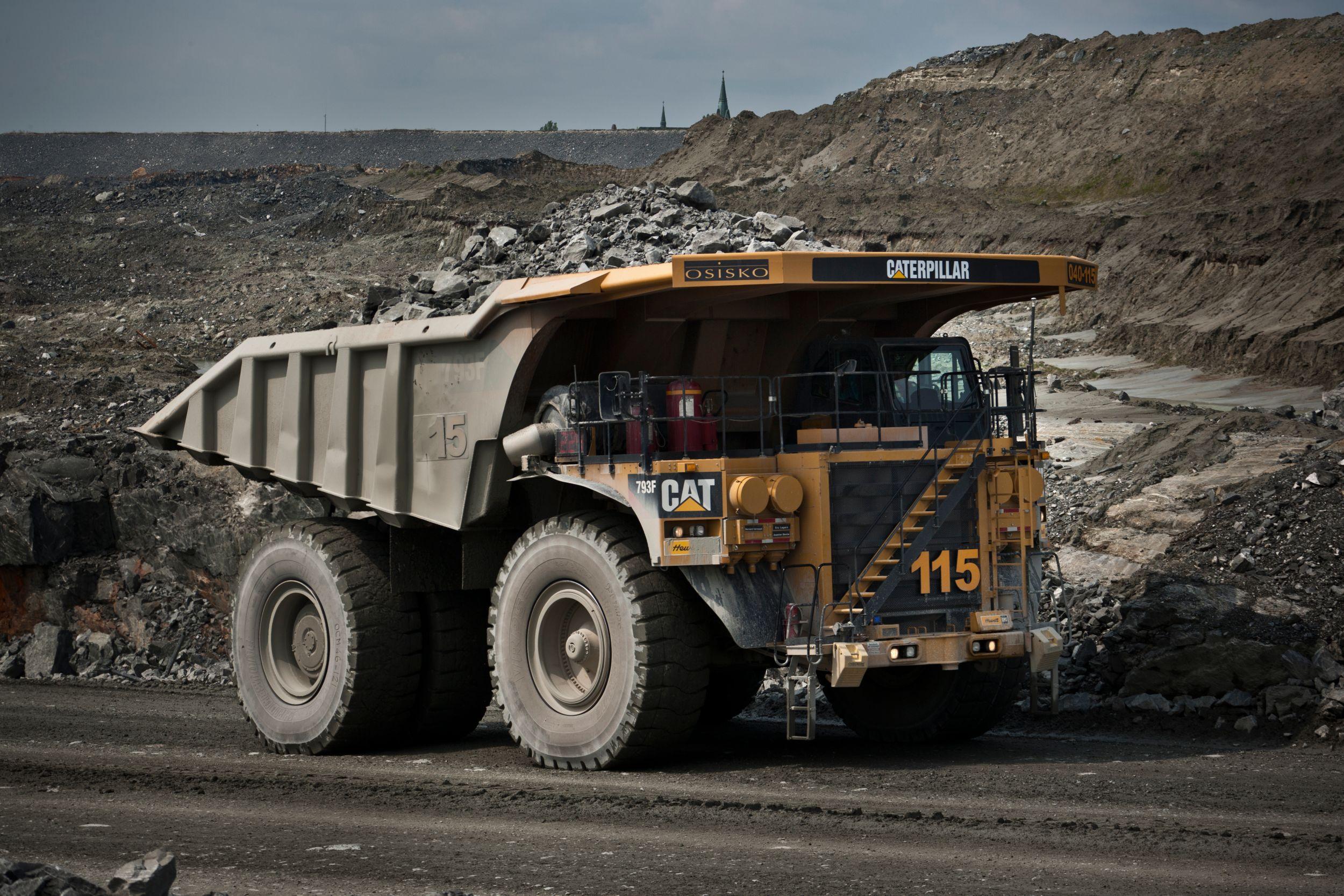 product-793F Mining Trucks