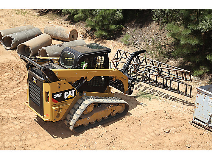 Cat® 289D Compact Track Loader and Material Handling Arm Moving Metal Structures