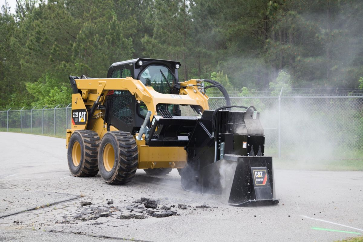 Cat® SW345B Wheel Saw Cutting Concrete>