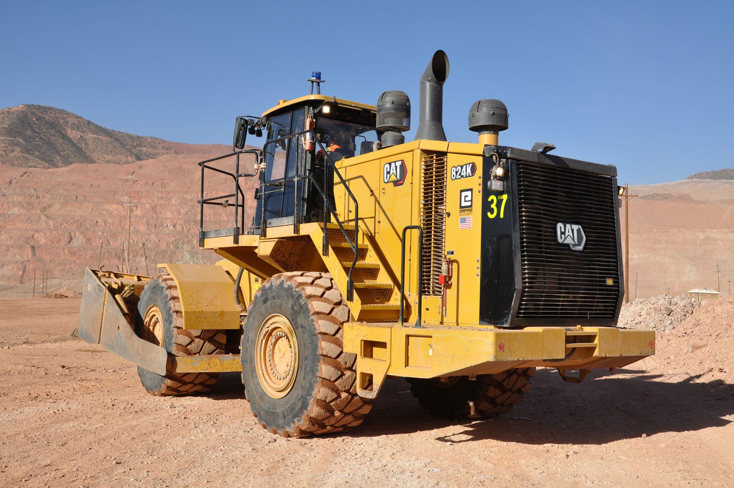 824K Wheel Dozer