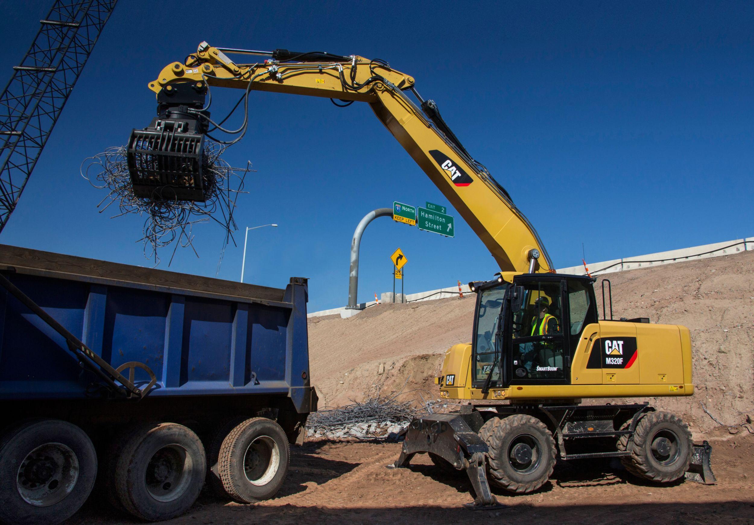 M320F Wheeled Excavator>