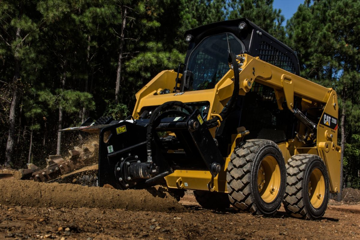 Cat® Trencher in Working Application>
