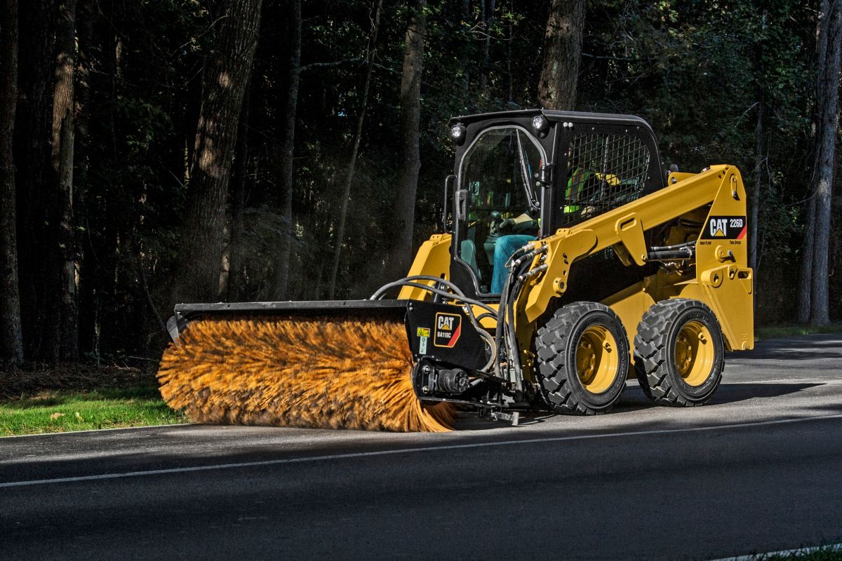 Cat® BA118C Angle Broom at Work>
