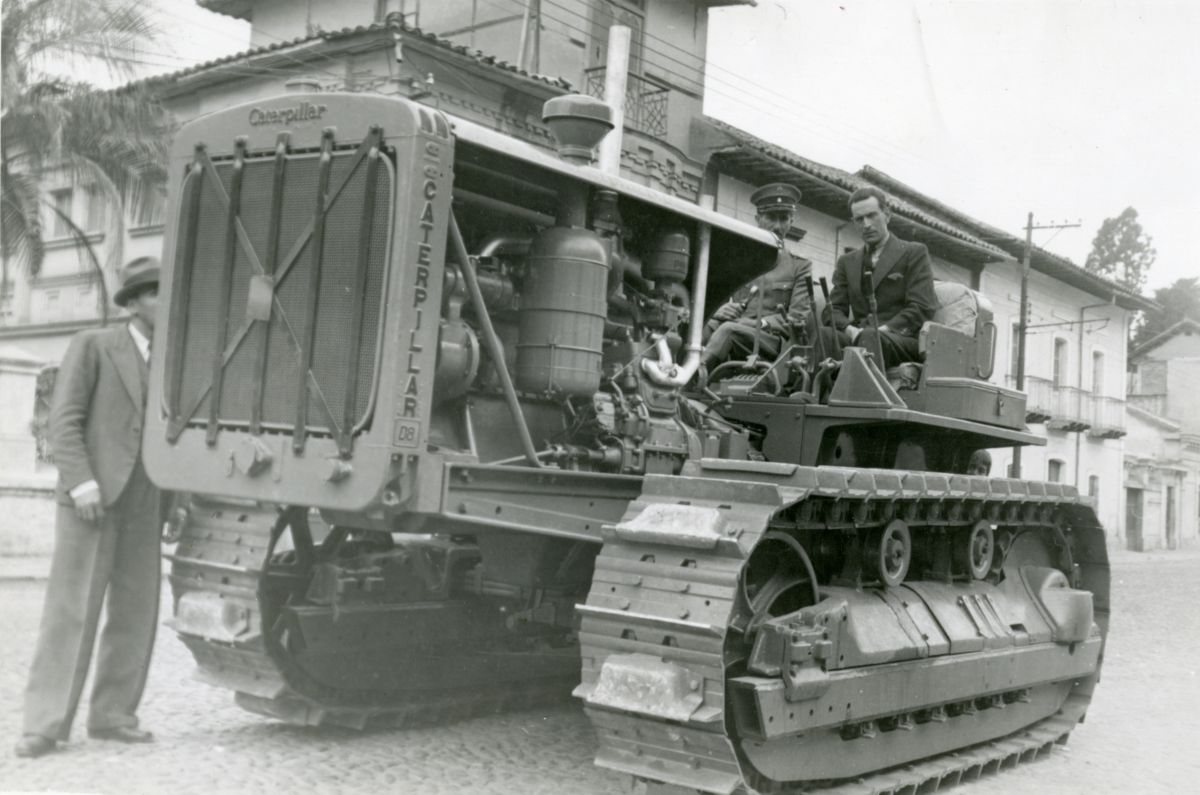 Caterpillar D8 track-type tractor in front of the Presidential Residence in Quito, Ecuador.
