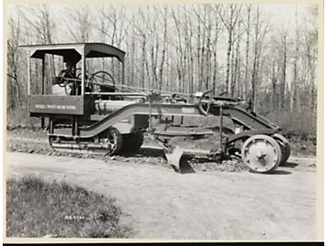 Acquired in 1927, Russell Grader was a manufacturer of pull graders and grading attachments for track-type tractors. The Russell acquisition allowed us to produce the industry's first true motor grader in 1931.