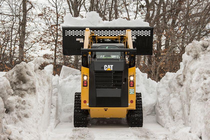 Skid Steer Loader Material Handling Bucket – Dumping Snow