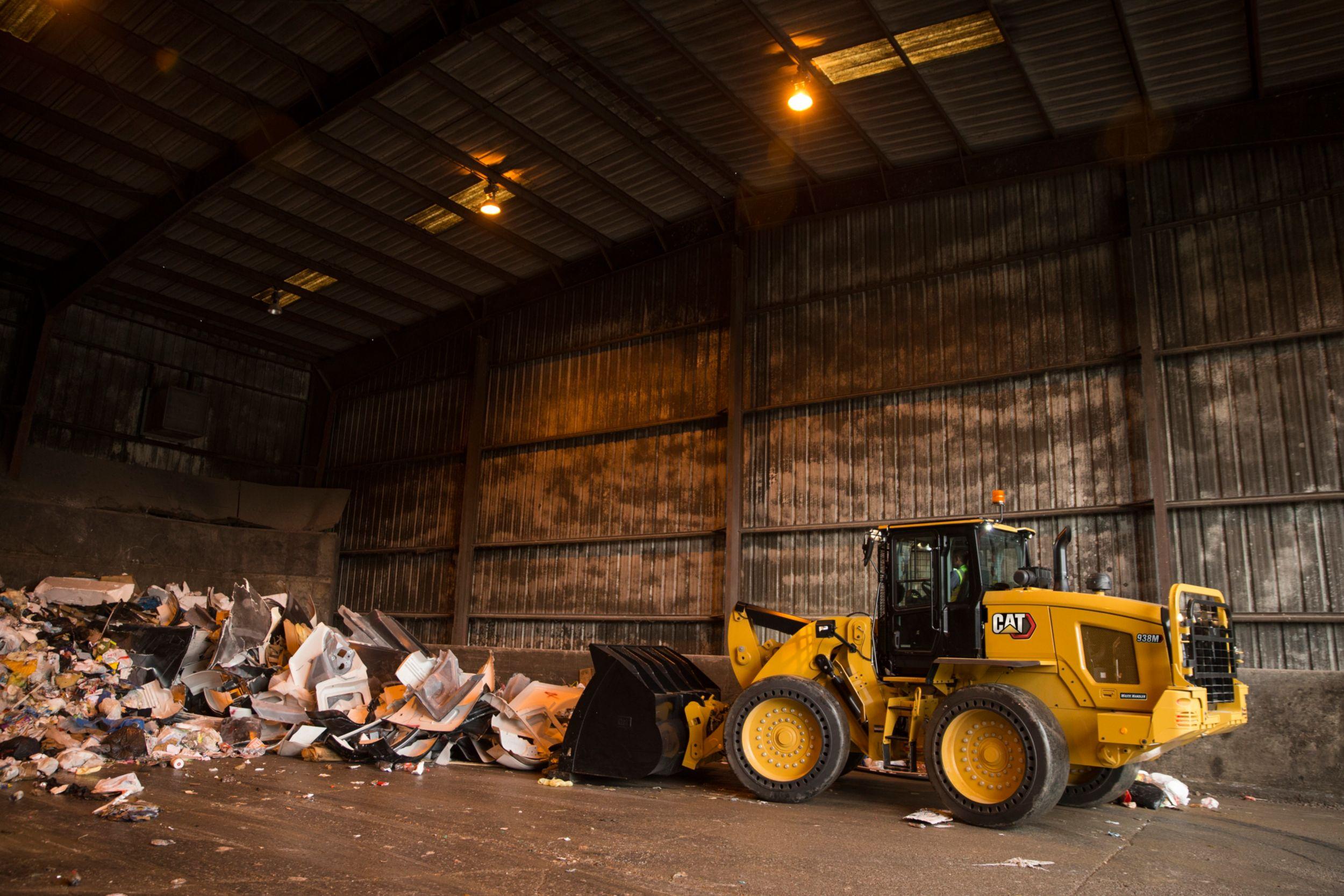 Gallery Chargeuse pour le traitement des déchets 938M