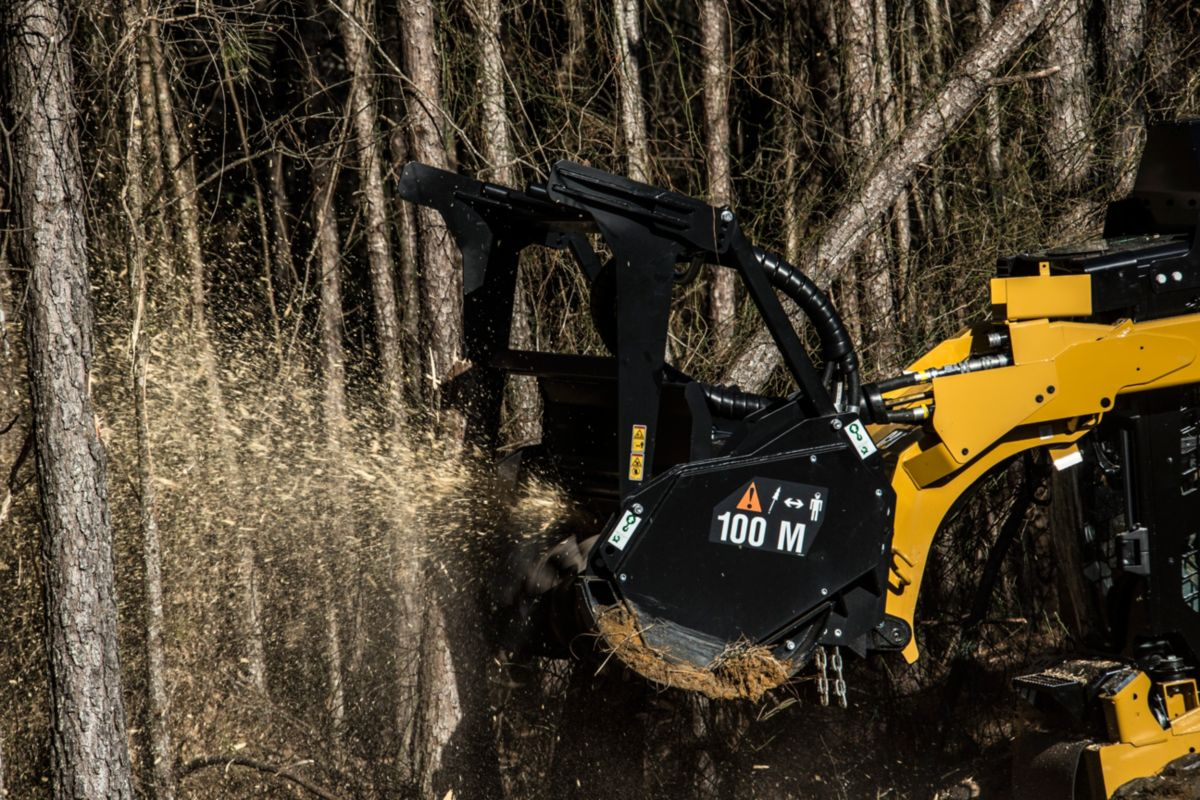 Cat® Mulcher in Action>