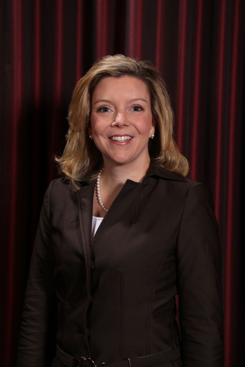 Caterpillar Chief Human Resources Officer Kim Hauer to Pursue Outside Opportunity.