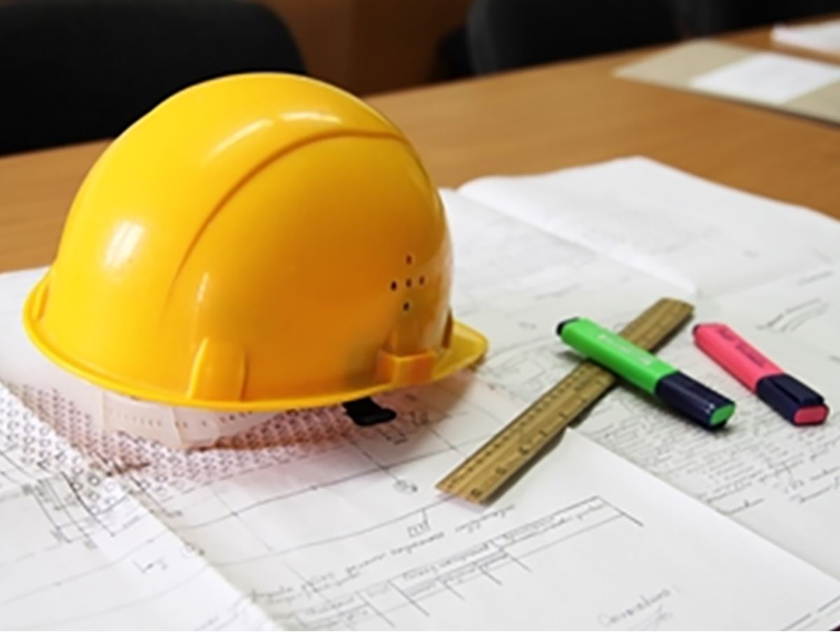 Contractors are exposed to a variety of risks and should consider construction equipment insurance from a captive finance company.