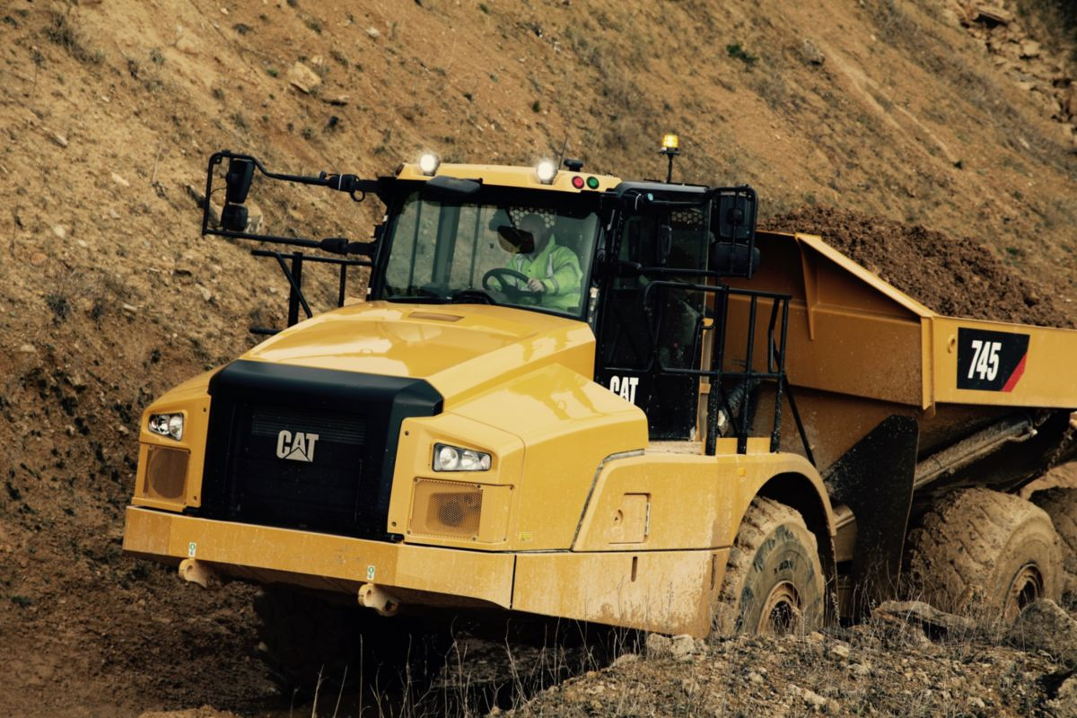 745 Articulated Truck | Finning CAT Ireland