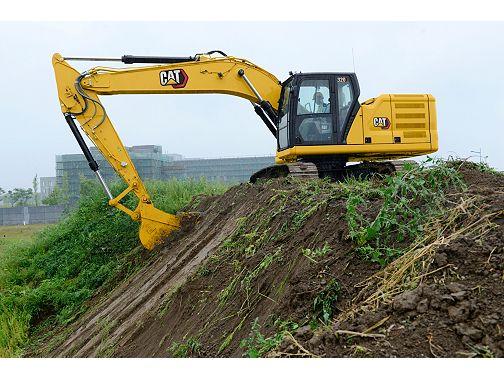 320 - Medium Excavators