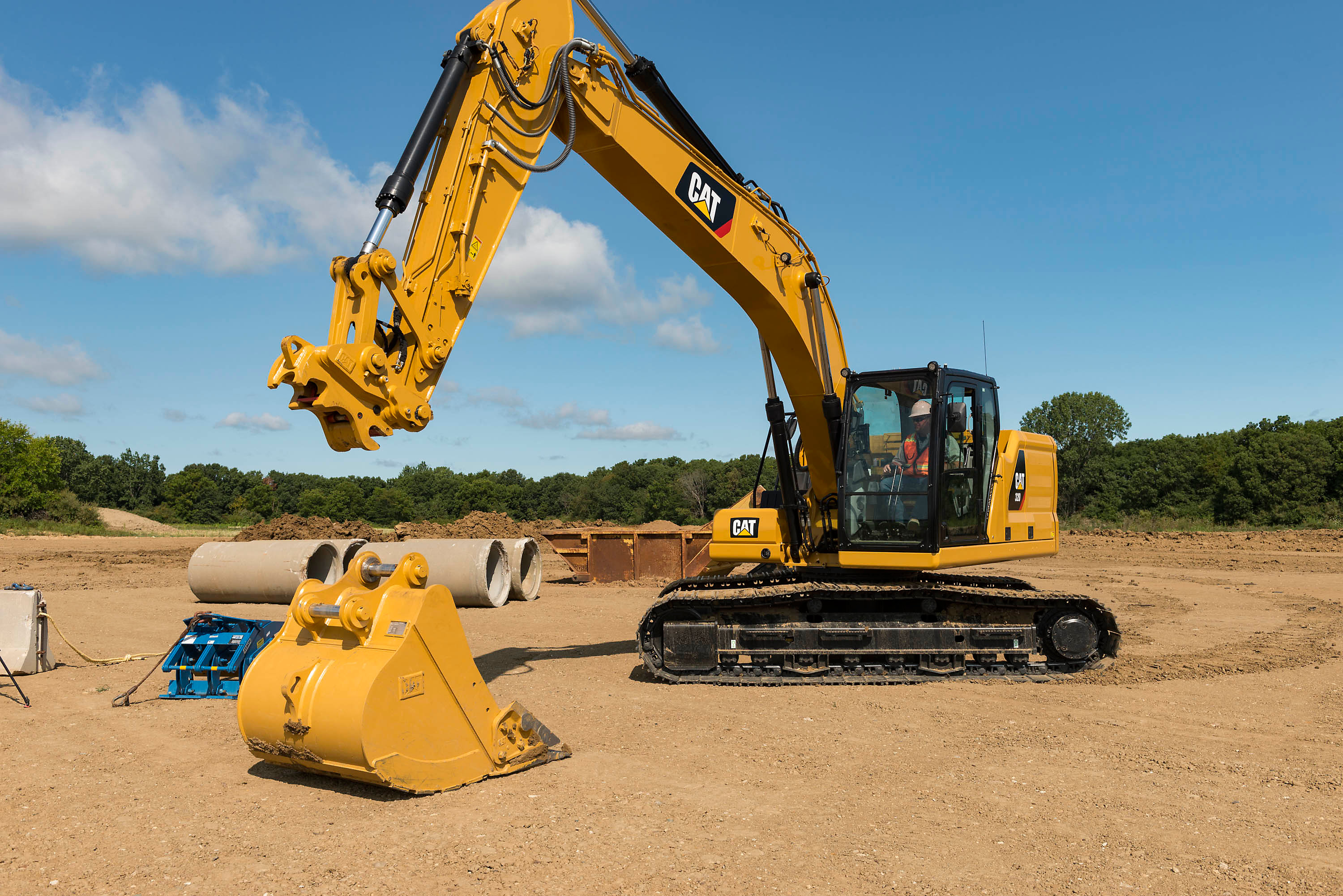 Cat | Excavators Deliver Choices for Efficiency and Lower Operating