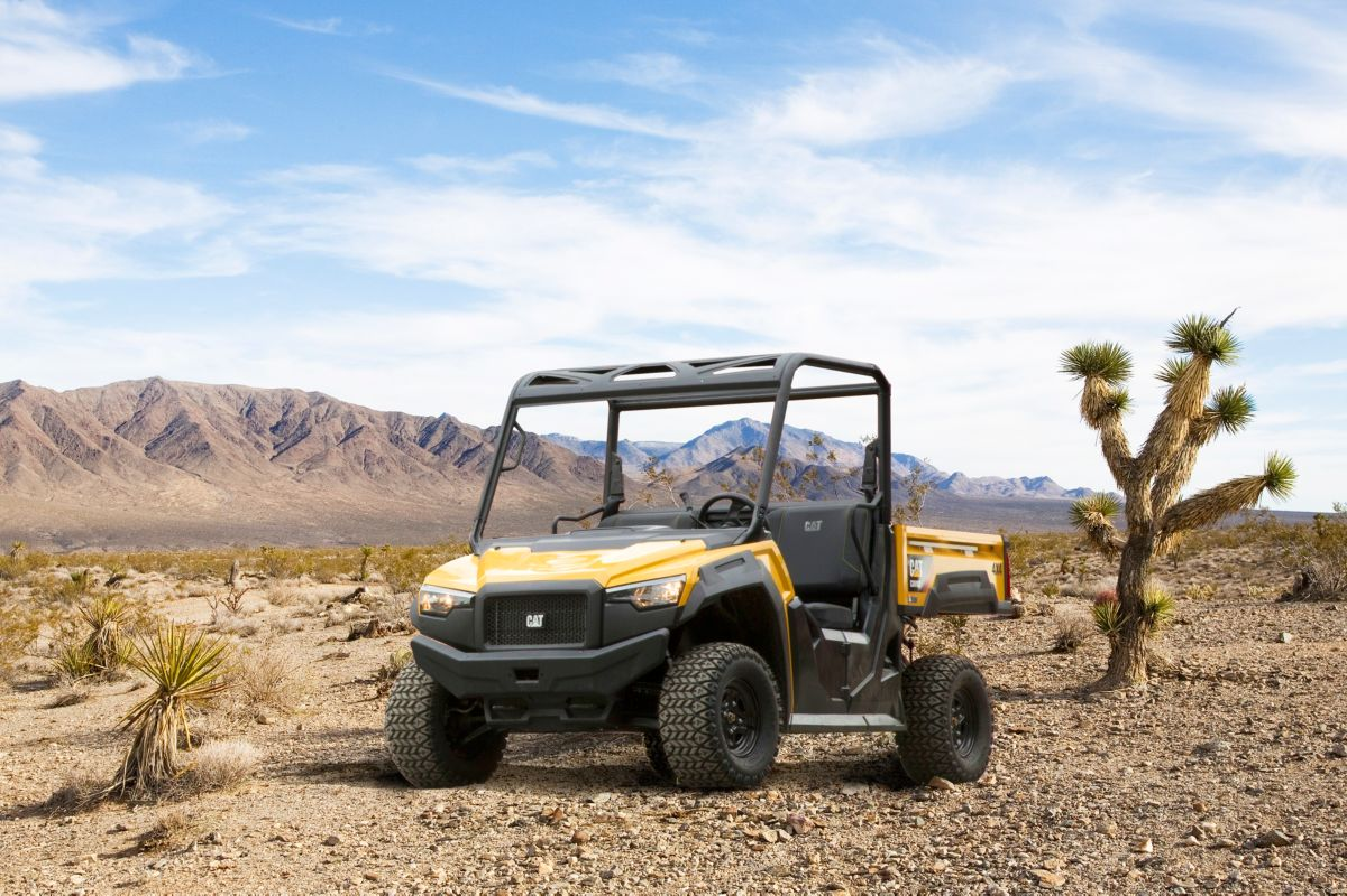 CUV82 Utility Vehicle>