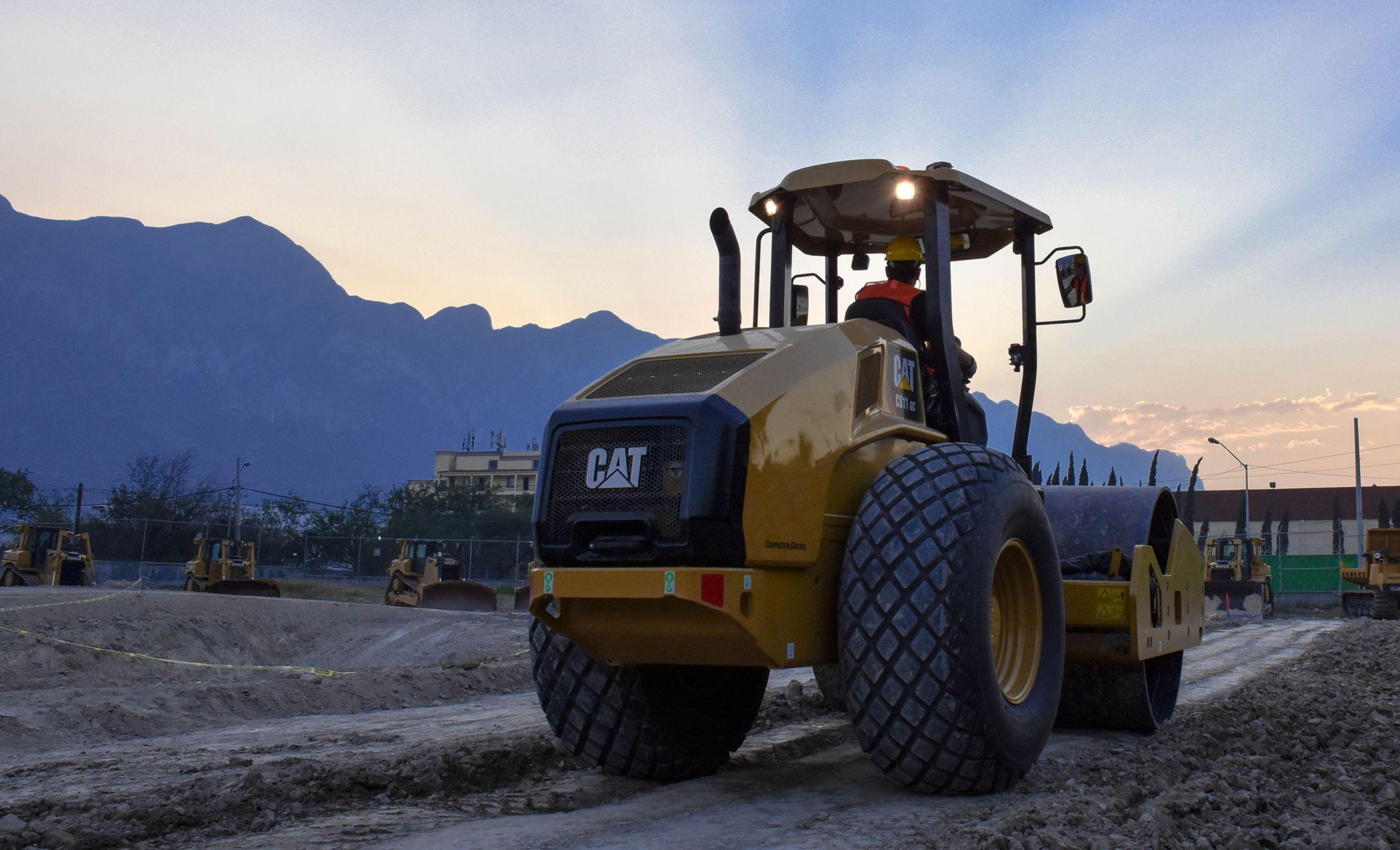Get Special Interest Rates on New Cat® Vibratory Soil Compactors