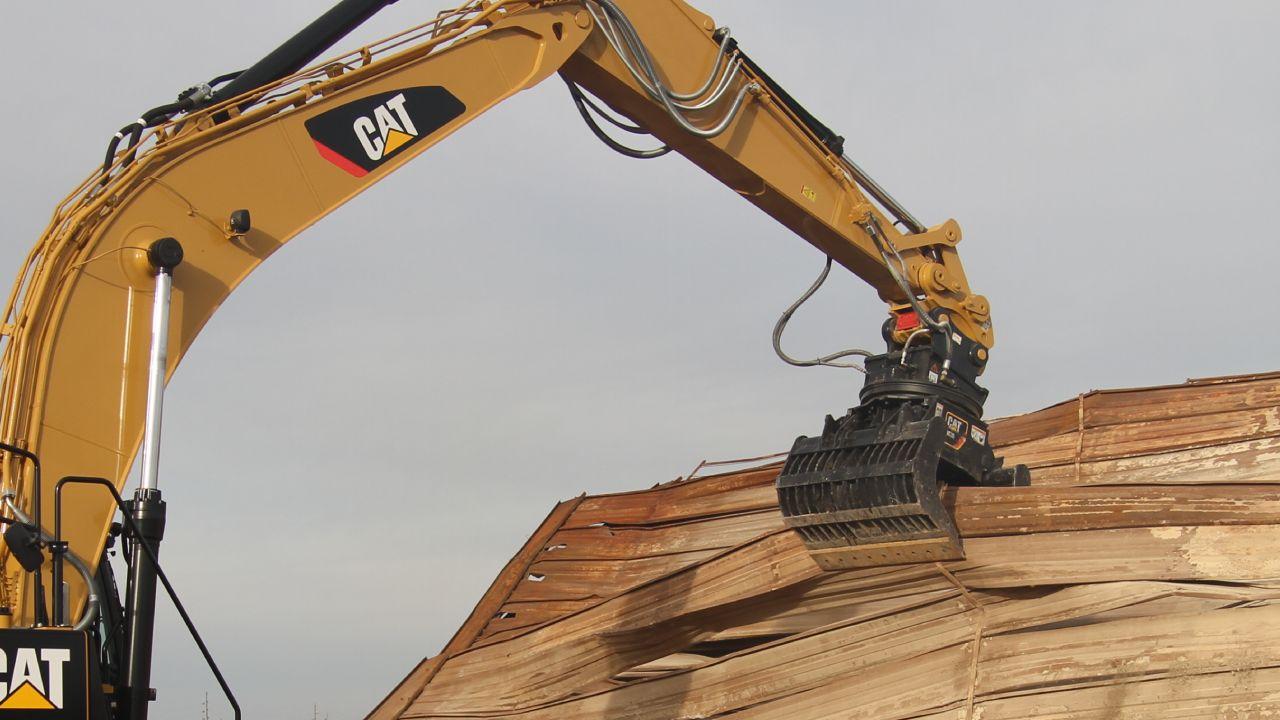 Cat | Demolition and Sorting Grapple Versatility | Caterpillar