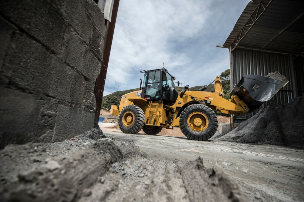 Cat | New 920K Compact Wheel Loader delivers high