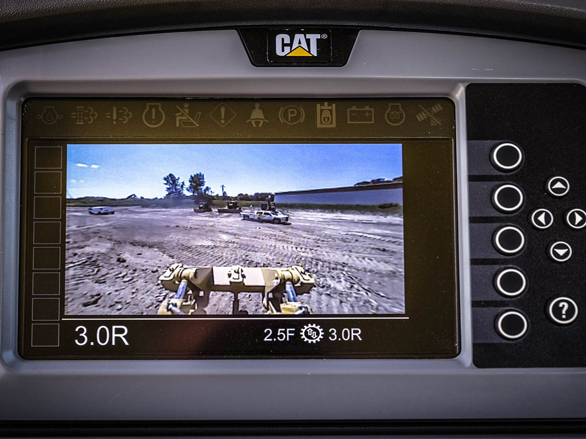 Cat D8T Dozer - BUILT-IN SAFETY FEATURES
