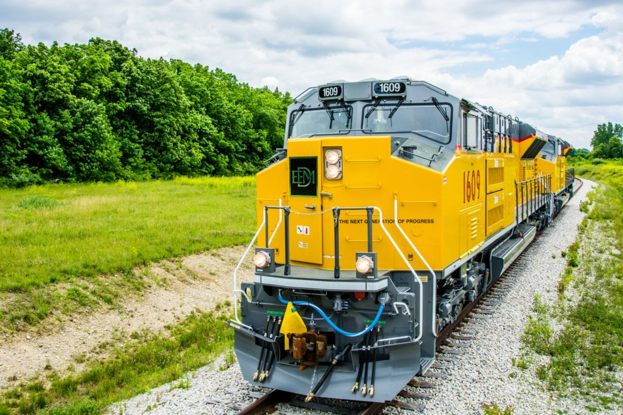 Progress Rail | Locomotives