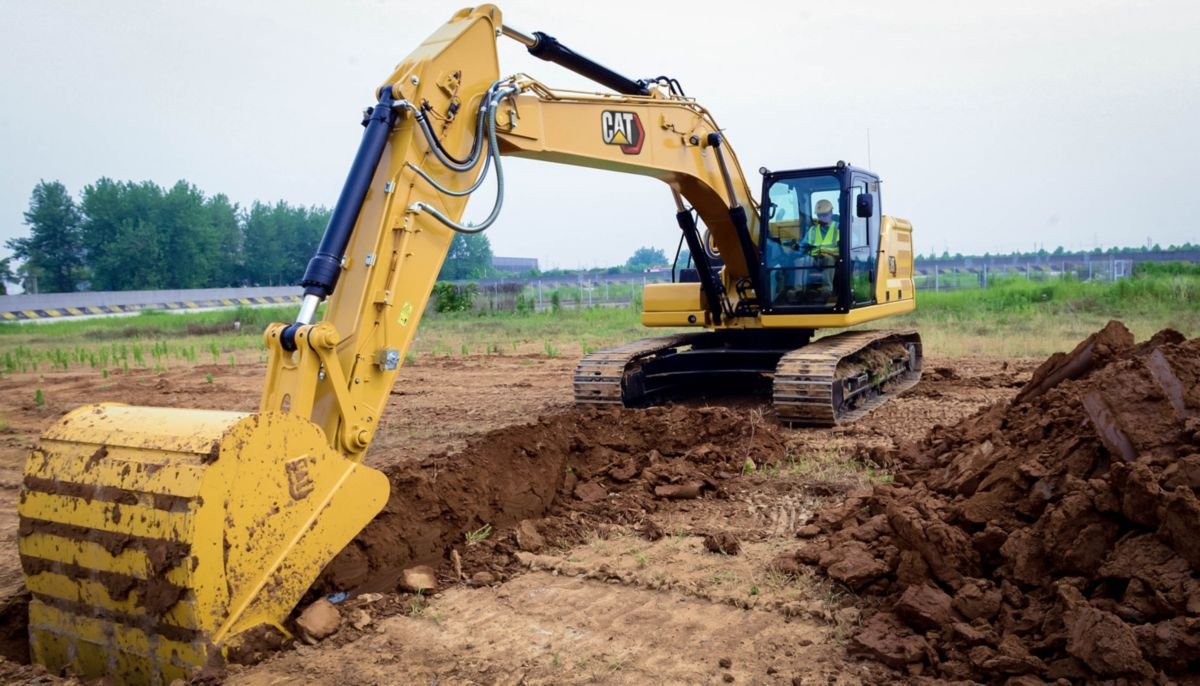 323 digging with a Heavy Duty Bucket>