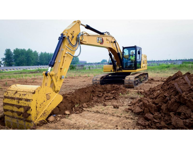 323 digging with a Heavy Duty Bucket
