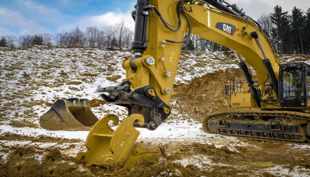 Cat | 390F Hydraulic Excavator | Caterpillar