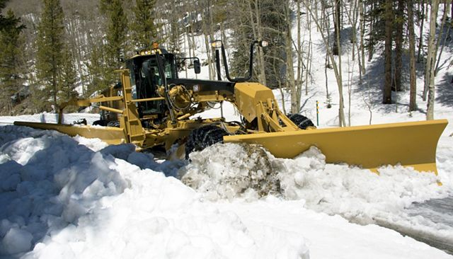 Cat 140 AWD Motor Grader - PERFORMANCE AND PRODUCTIVITY