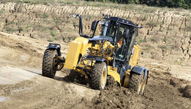 Cat 160 Motor Grader - POWERFUL EFFICIENCY
