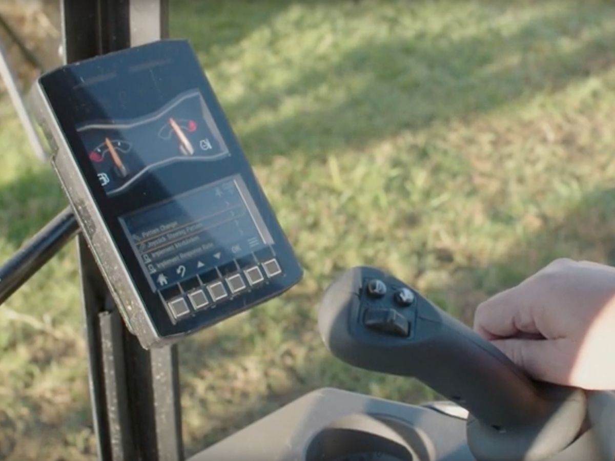 Hear why Cat customers are excited about the LCD monitor in the Cat Next Generation Mini Excavators.
