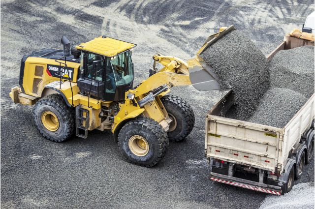 Cat 966M Wheel Loader - BUILT TO PERFORM