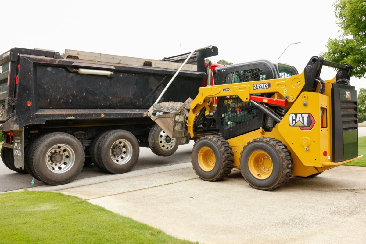 Cat® 242D3 Skid Steer Loader>