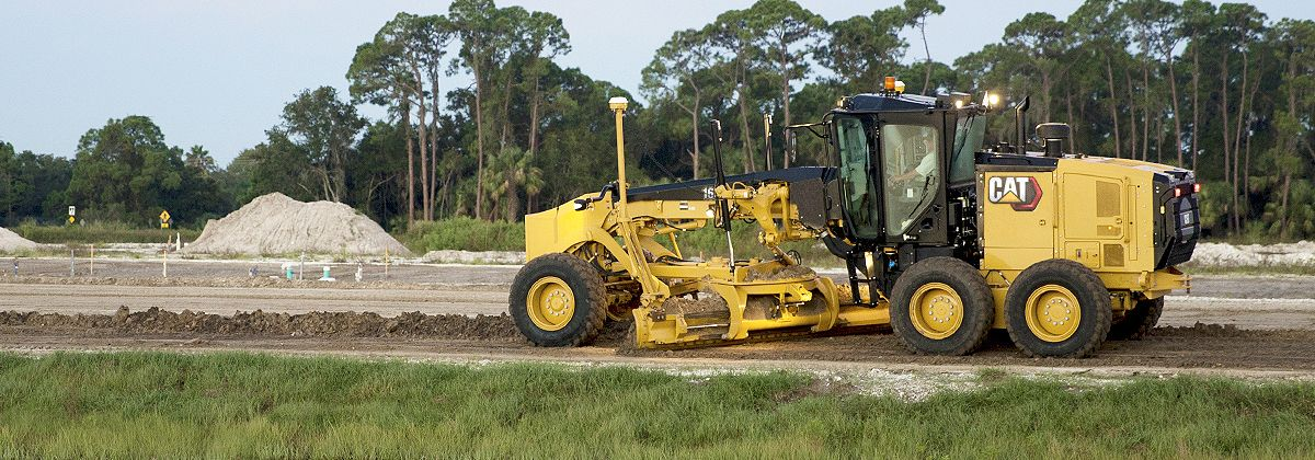 Benefits of Using a Motor Grader on the Job